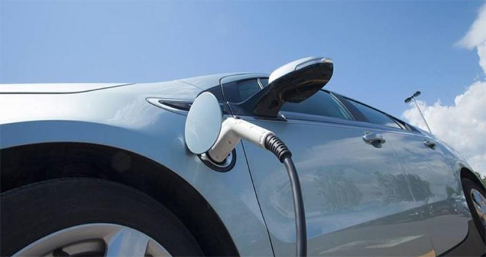 This Electric Car Charges In One Minute And Has A Range Of 500 Miles 17