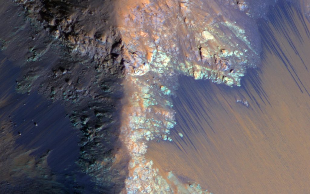 Underground Lake Discovered On The Red Planet Could Sustain Life 1