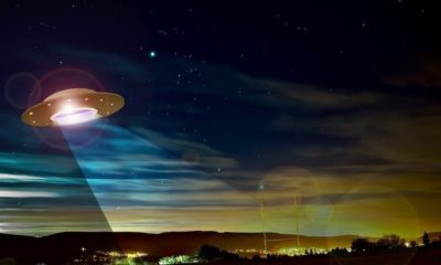 Pilots report close encounter with a UFO off the coast of Ireland, or was it a meteorite? 92
