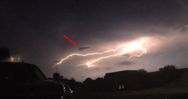 Lightning Strike Reveals V-Shaped UFO in the Sky 3