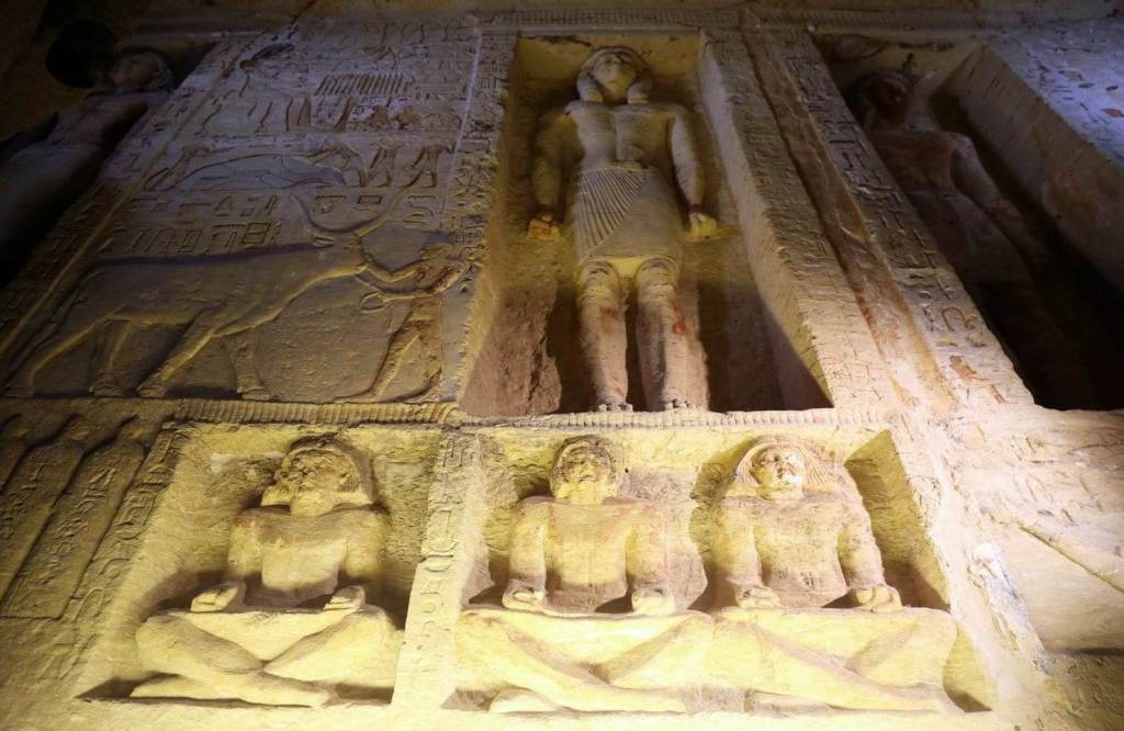 Stunning Photos Show 'One of a Kind' 4,400-Year-Old Tomb Just Discovered in Egypt 30