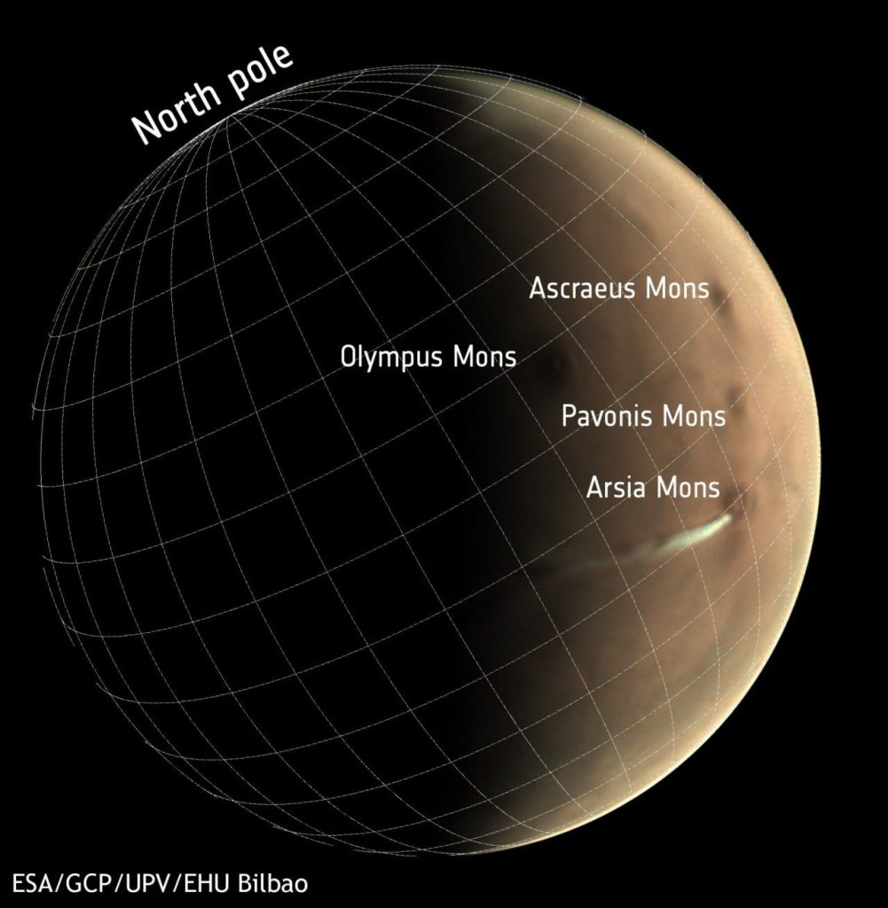 What's That Weird Cloud That's Been Looming Over Mars for Weeks? 91