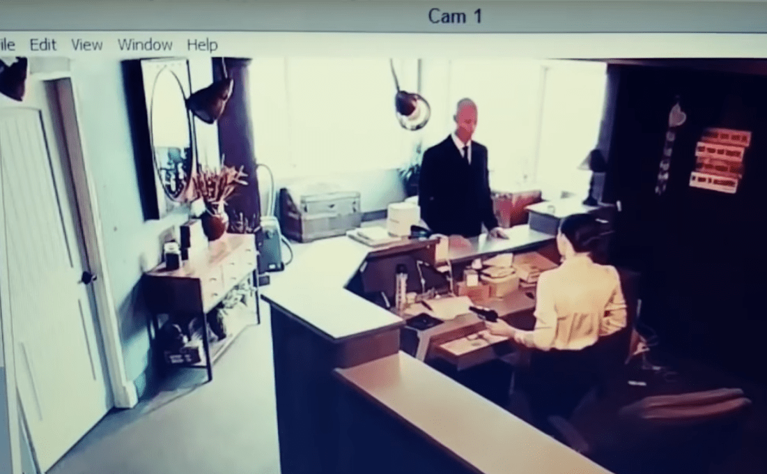 Men in black encounter caught on tape : secret government agents or aliens in disguise 10