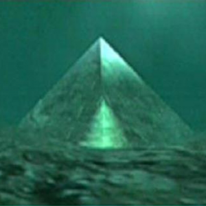 Two Giant Underwater Crystal Pyramids Discovered in the Center of the Bermuda Triangle 93