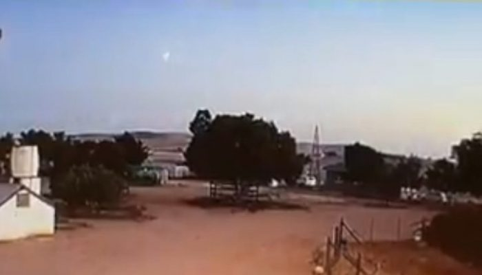Loud Boom Shook Ground as Daytime Meteor Fireball Explodes over Cape Town, South Africa 20