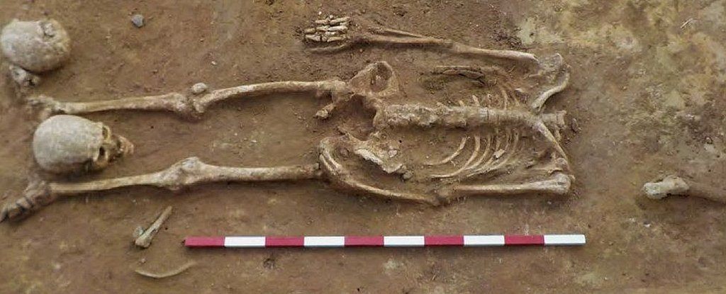 Ancient Roman Cemetery is Full of Mysterious Headless Skeletons 5