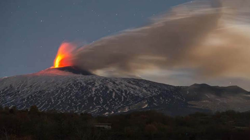 'Catastrophic collapse' of Mount Etna could trigger tsunami, scientists warn 12