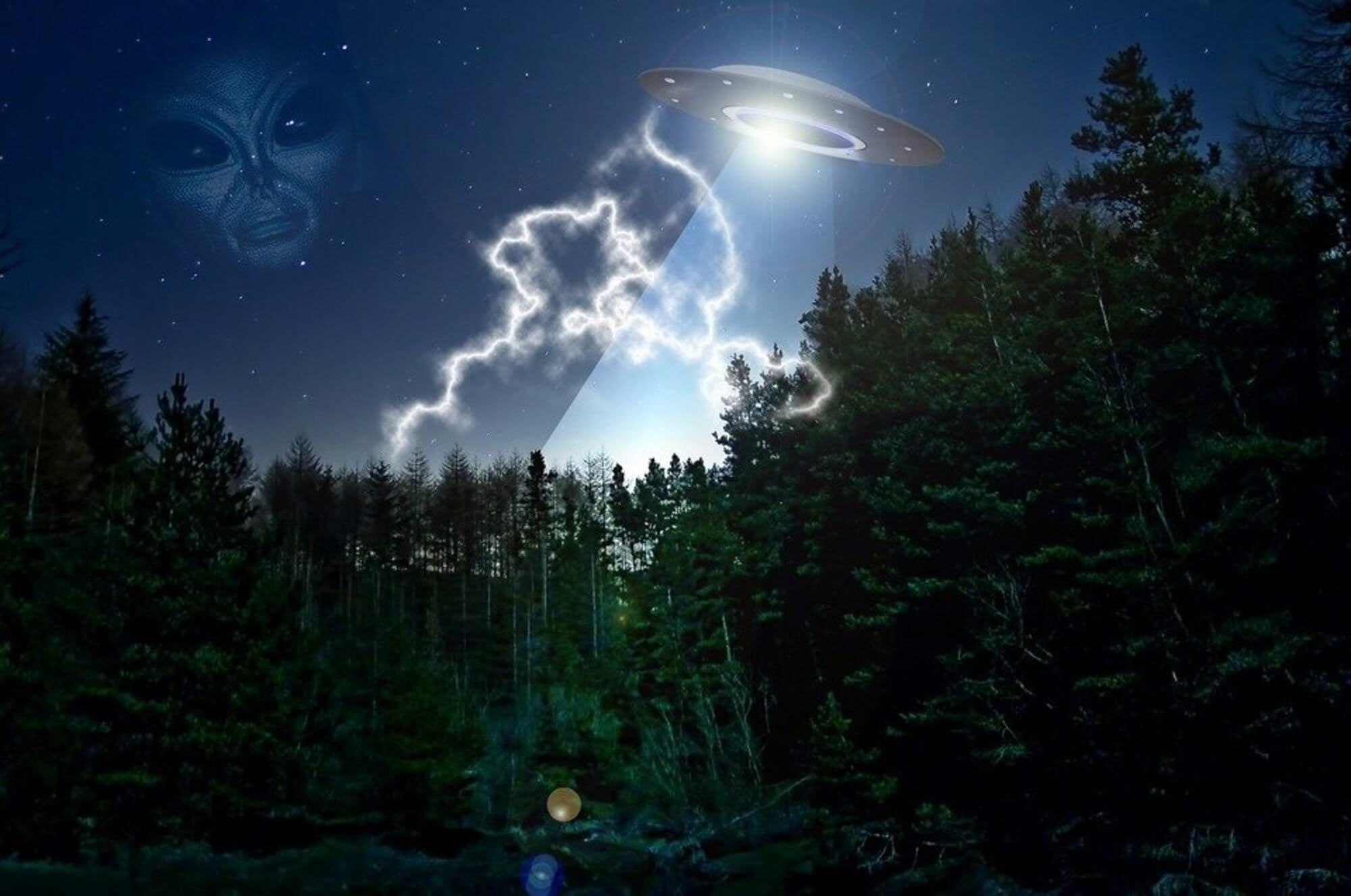 Aliens Are Real, And They're Laughing At Your Outlook On Life 65