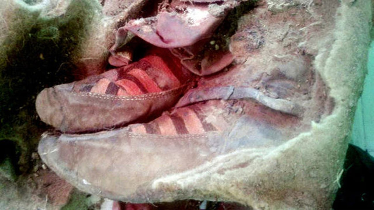 1,500-year-old Mummy Wearing 'adidas Sneakers' Believed To Be A Time Traveler 7