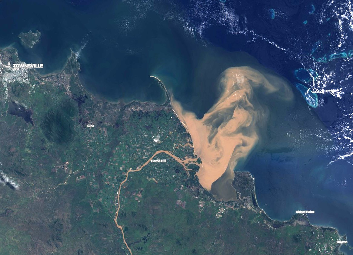 The Great Barrier Reef Was Just Hit by a Flood of Polluted Water Visible From Space 90