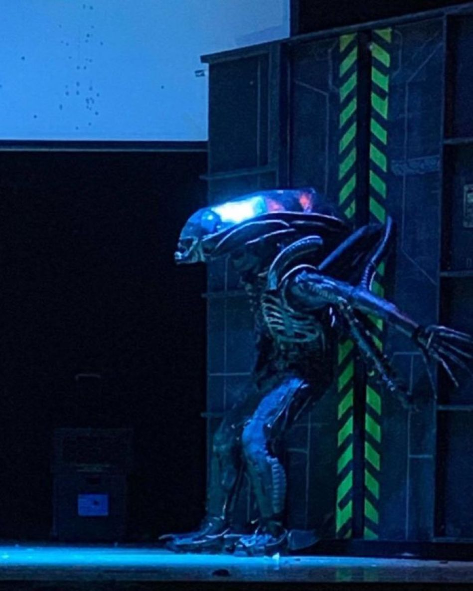 This Amazing School Play Of 'Alien' Had No Budget And Used Trash To Make Costumes 24