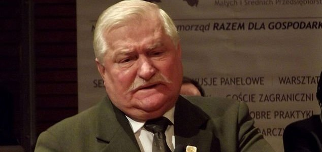 Former Polish president warns of ET invasion 12