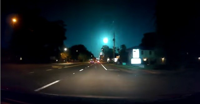 Dash-cam Records Bizarre Blue/Green Object Falling From Florida Sky 4