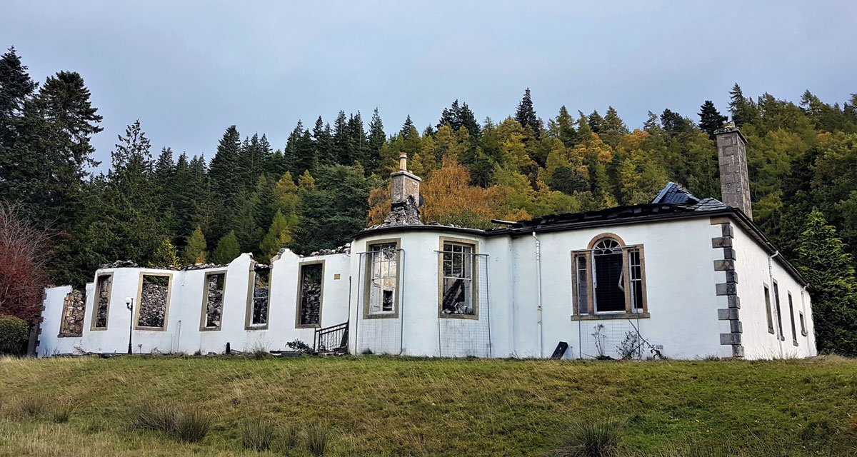 Ruins of Aleister Crowley's Cursed House on Loch Ness for Sale 19