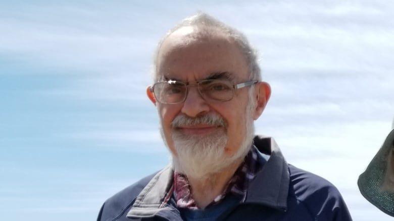 Famed UFO researcher, Stanton Friedman, dead at 84 1