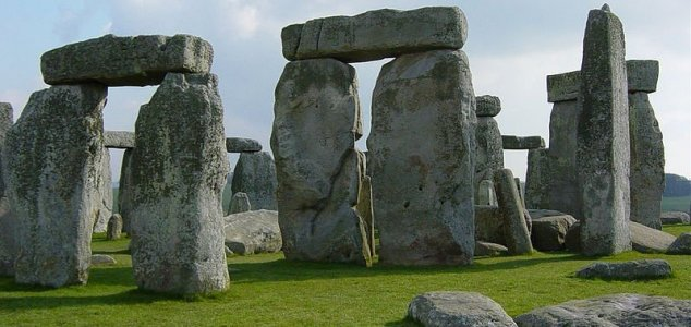 Chunk of Stonehenge returned after 60 years 3