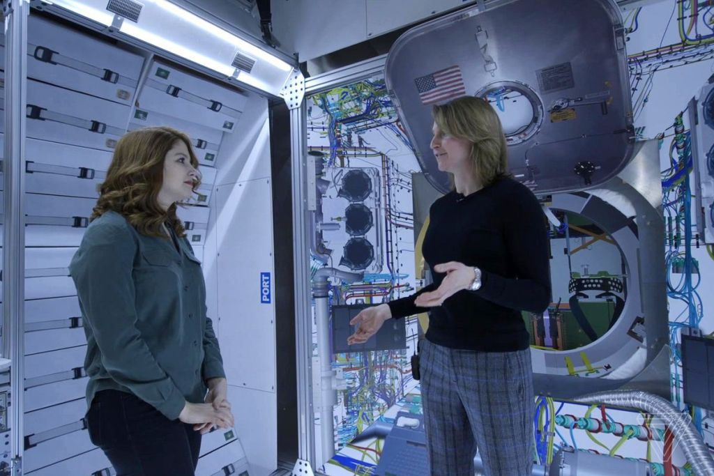 Why Lockheed Martin Is Designing A Tiny Home To Orbit The Moon 6