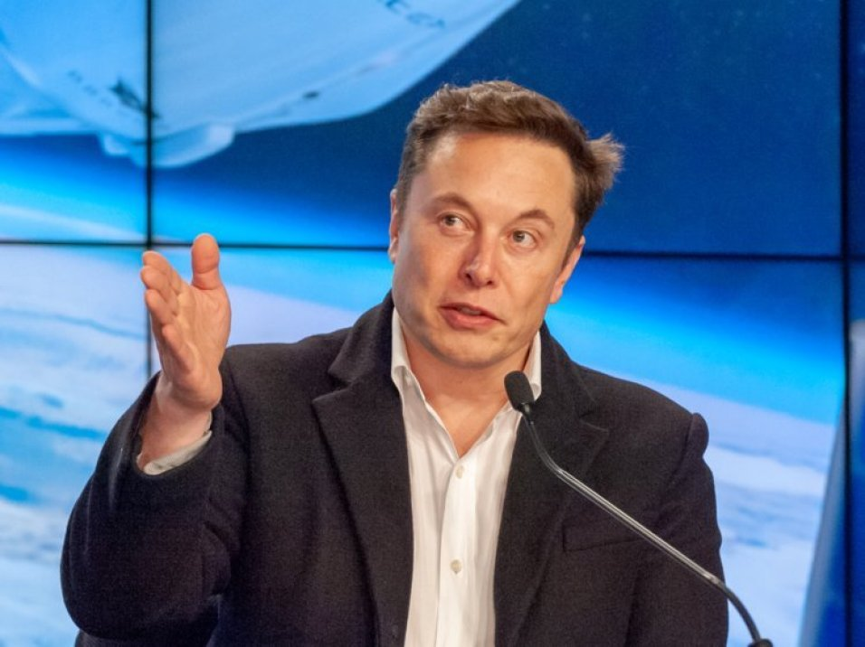 Elon Musk just revealed new details about Starlink, a plan to surround Earth with 12,000 high-speed internet satellites. Here's how it might work. 90