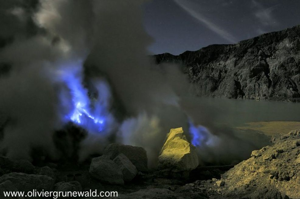 Spectacular blue lava flows at this Indonesian volcano 103