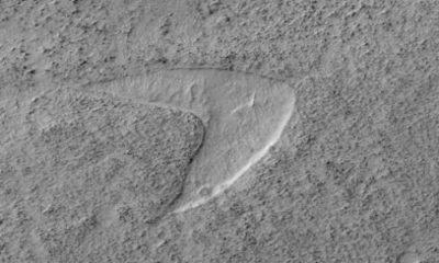 Martian sand dune looks like Starfleet logo 97
