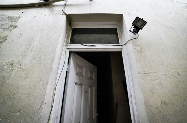 House abandoned by its owners because they hear screaming from the basement 99