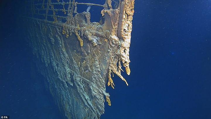 New high-resolution images of the Titanic show its deterioration 40