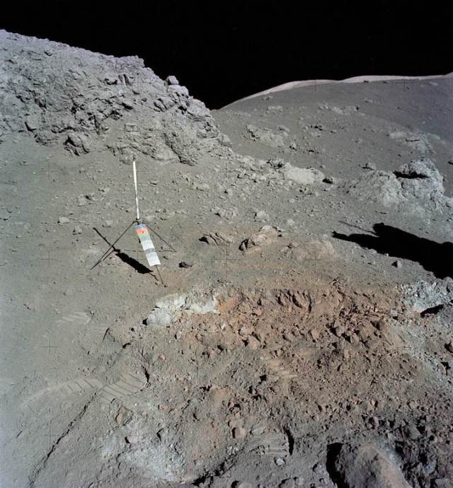 The Chinese lunar rover finds a strange substance in the moon's hidden face 13