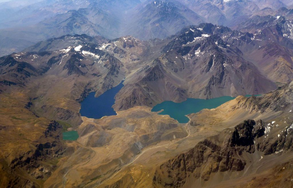 Chilean Family has a chilling encounter of the third type with 3-meter beings at El Yeso Reservoir, Santiago, Chile 4