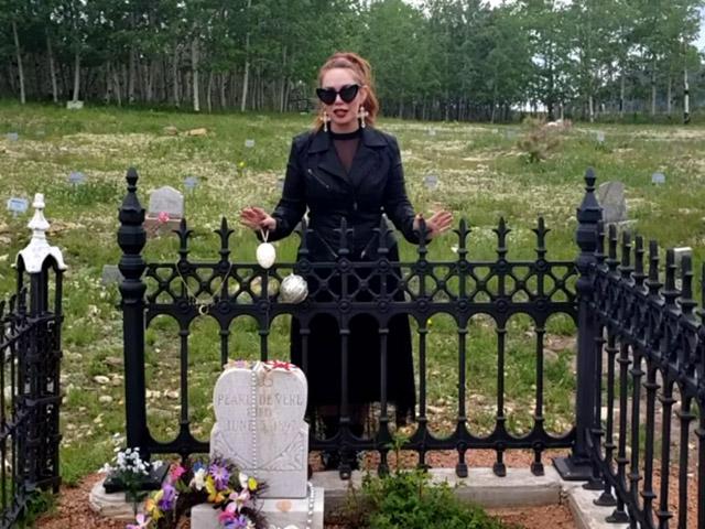 The grave of Pearl de Vere in Cripple Creek, Colorado