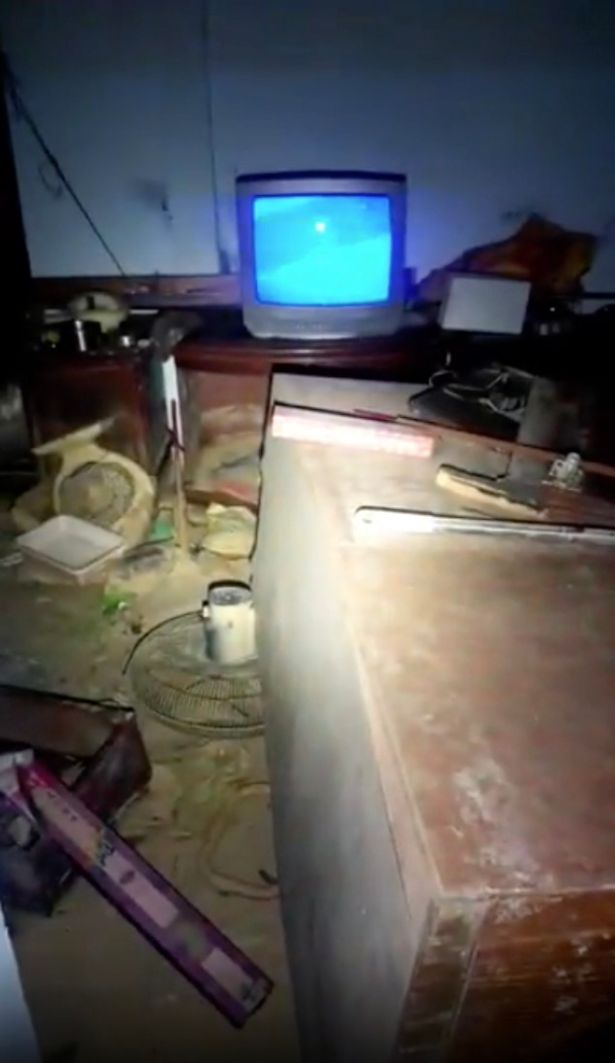 TV with no plug turns itself on inside an abandoned military building 6