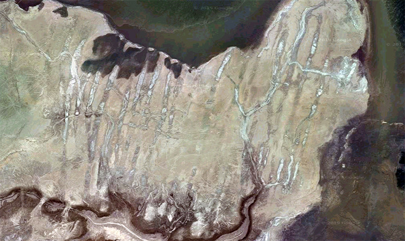 Furrows at the bottom of the Aral Sea