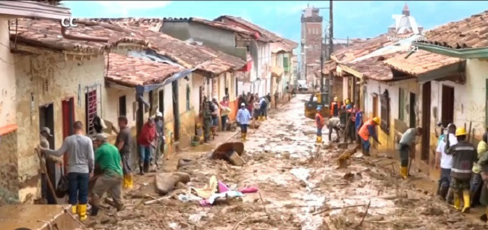 Miracle in Colombia - A saint statue rescues city dwellers from landslide 20