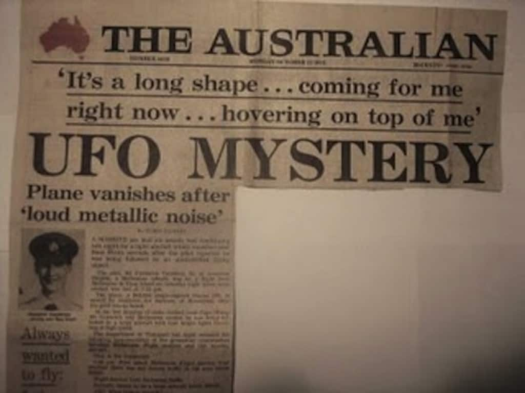 Australian newspaper detailing the alleged UFO encounter.