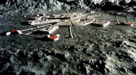 Aliens on the moon, facts and theories 1