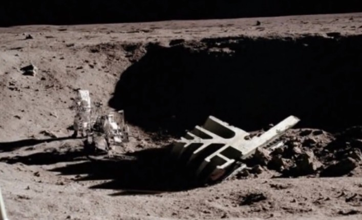 NASA was frightened by the Presence of Extraterrestrials on the Moon 91