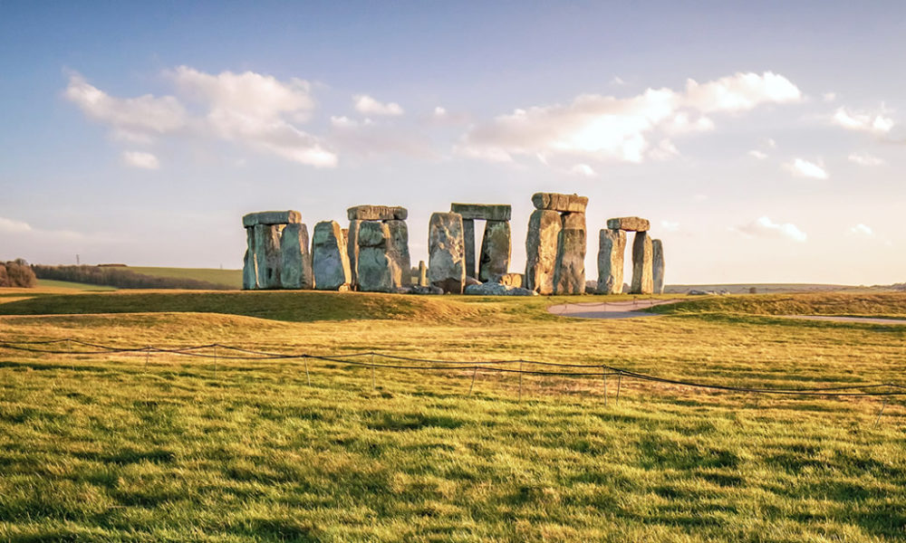 Ancient ritual site found three times larger than Stonehenge's Sarsen circle 1