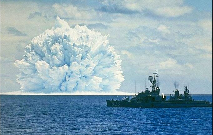 Global alert for a submarine NUCLEAR EXPLOSION occurred in the South China Sea 9