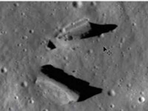 Station Buildings on the Moon