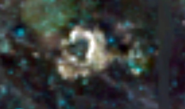 """The Clementine space probe photographed """"Alien Structures"""" and a """"Dome"""" on the Moon 20"""