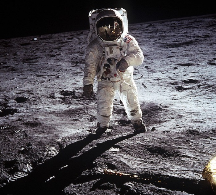 Astronauts talk about strange sensations in space, sounds and UFOs 97