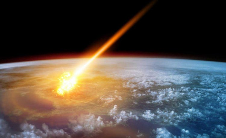 Scientists warn that large meteorites hit the Earth every 180 years like a nuclear bomb 16