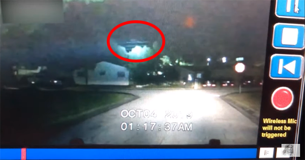 Law Enforcement Officer Records a Black Triangular-shaped UFO in Clearwater, Florida 9