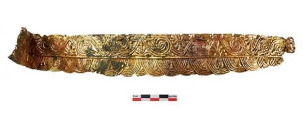 The burial of the Amazon with a headdress made of precious metal dating back to the second half of the 4th century BC was found by the staff of the Don Expedition of IA RAS during the examination of the Devitsa V Cemetery of Voronezh Oblast.