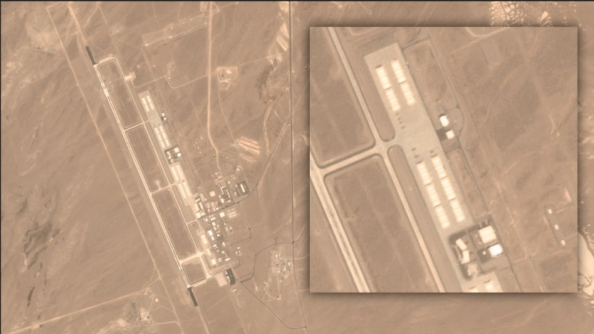 "AREA 51, ""mysterious objects"" suddenly appear from the hangars of the Tonopah Test Range airport 99"