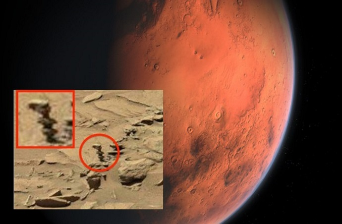 "Rover Curiosity photographs an ""Alien Statue"" on the red planet 94"
