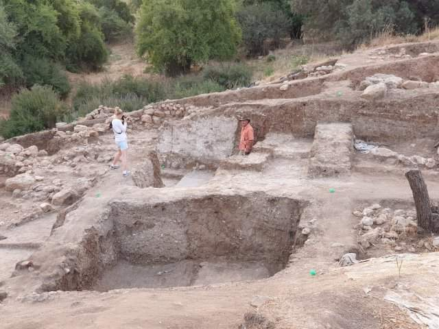 The biblical hometown of Goliath discovered in Israel, and the ruins are gigantic 15