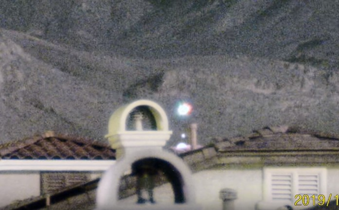Spectacular UFO sighting is recorded on Las Vegas' Little Red Rock 13