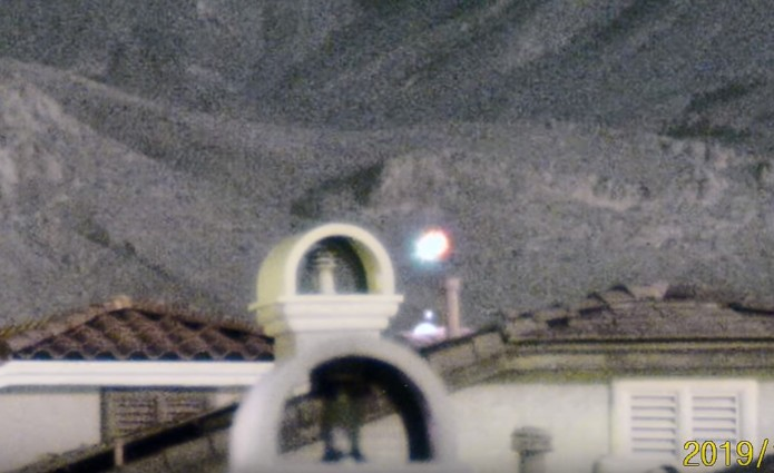 Spectacular UFO sighting is recorded on Las Vegas' Little Red Rock 14