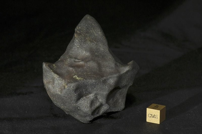 Another arrow-shaped fragment weighing 146.2 grams