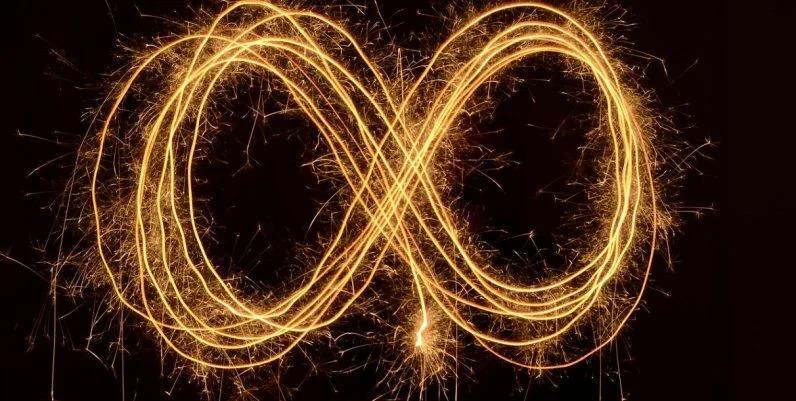 Immortal quantum particles